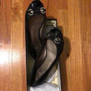 BROOKS BROTHERS Patent Leather Peep Toe Flats
